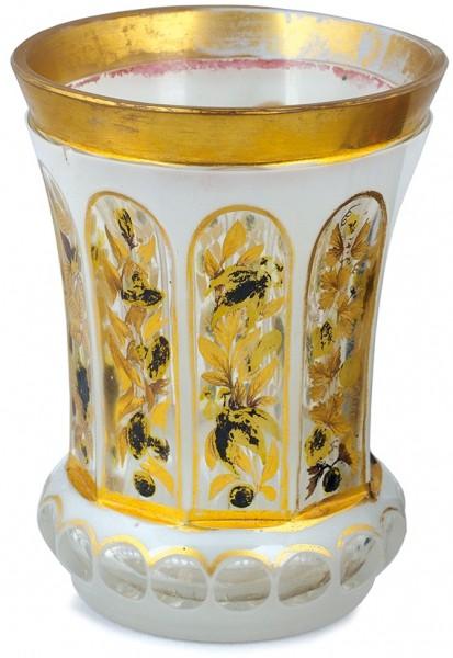 Стакан-ваза. Россия(?), 1830-е-1840-е. Cтекло cнацветом, золочение, серебрение. Высота 12см.