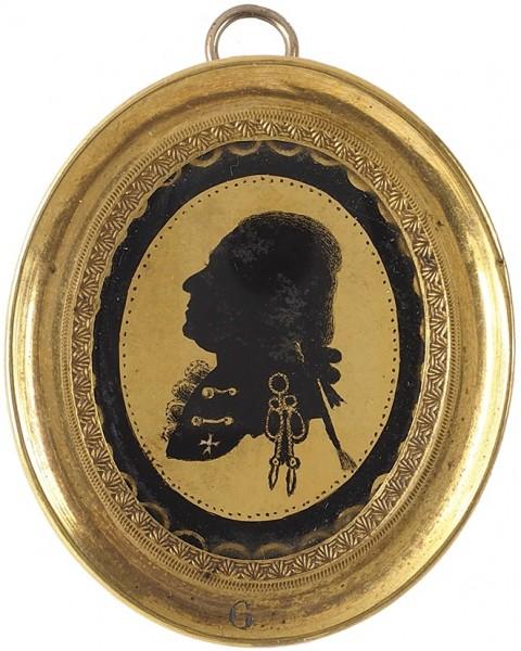 «Миниатюрный портрет кавалера Ордена Св. Иоанна Иерусалимского». 1790-е. Эгломизе, бронза, золочение, 4 х 3,5 см (овал).