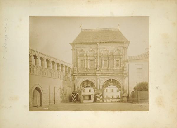 Двести пятьдесят фотографий патриарха архитектурной и предметной съемки Ивана Федоровича Барщевского (1851-1948).