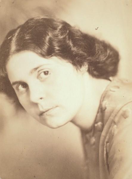 Фотография Лили Брик / фот. H. Hoffmann. [1920-е гг.].